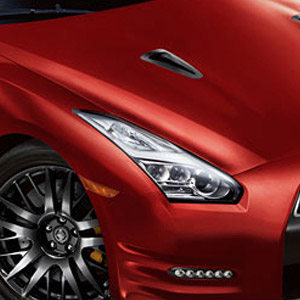 red 2016 nissan gtr headlight