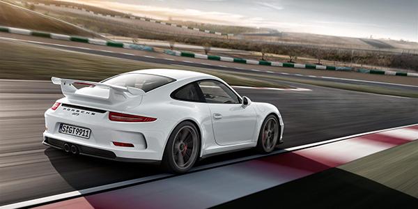 porsche 911 gt3 racetrack
