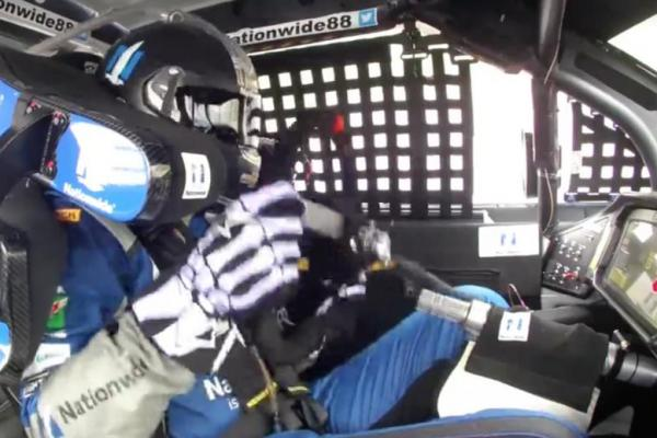 Dale Earnhardt Jr. Loses Steering Wheel during Race