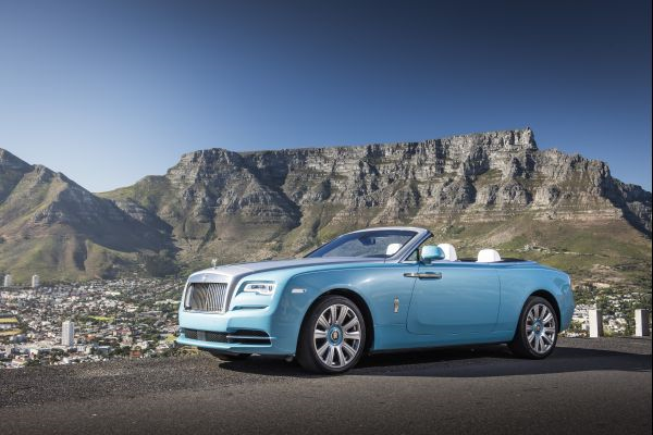 Rolls-Royce Dawn Unveils Colorful Rag Tops for 2017
