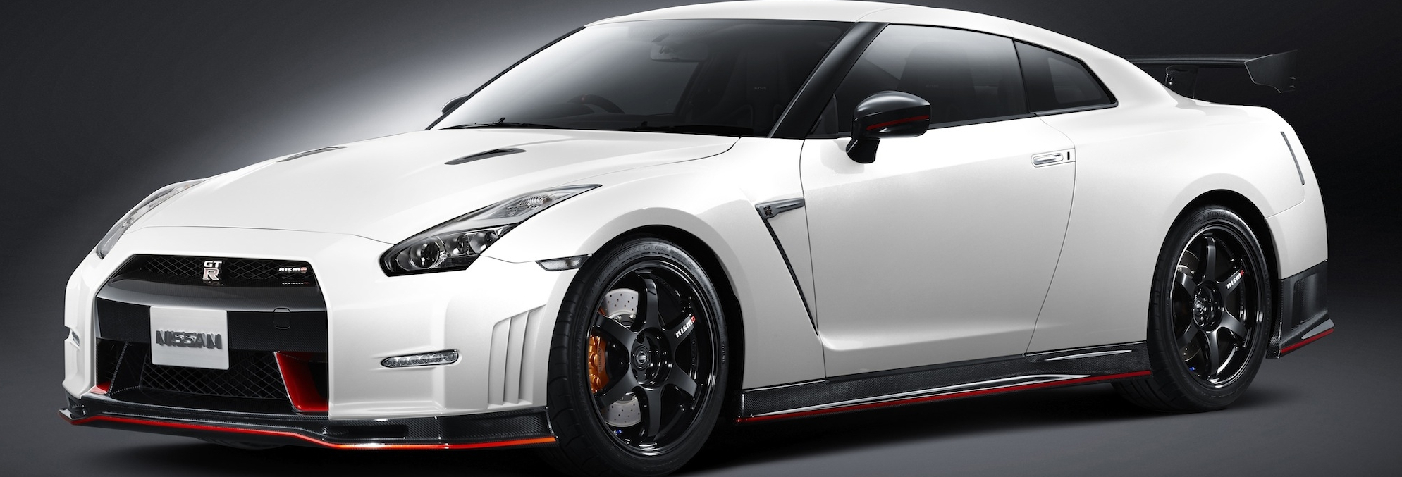 The Nissan GT-R remains one of the quickest supercars ever produced with a neck-snapping 0-60 mph time of just 2.6 seconds. To keep up with the GT-R Nissan has designed a drone that is capable of delivering a 0-60 mph in just 1.3 seconds with a top speed of 115 mph. This miniature quad-copter allows Nissan to take some breathtaking images of the GT-R at much closer distances than what was previously possible.