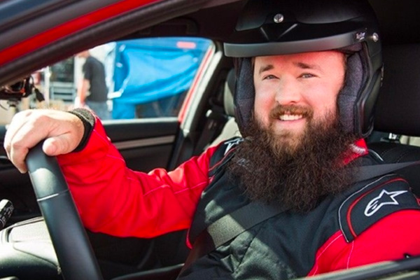 Haley Joel Osment (The Sixth Sense) Races at SPEEDVEGAS