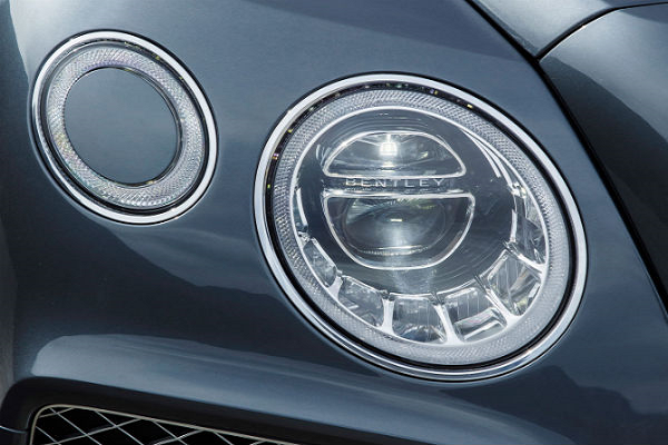 Check Out the New Headlight Washing System for the Bentley Bentayga