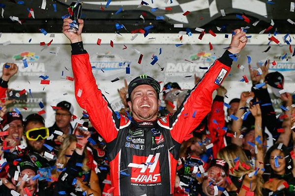 KURT BUSCH WINS HIS FIRST DAYTONA 500