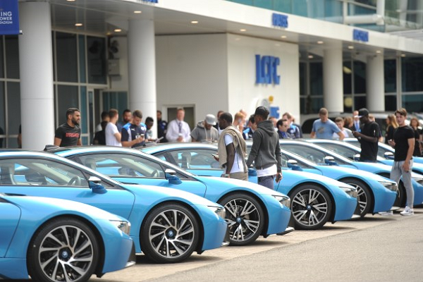Leicester City Players Have to Wrap BMW i8s to Prevent Confusion