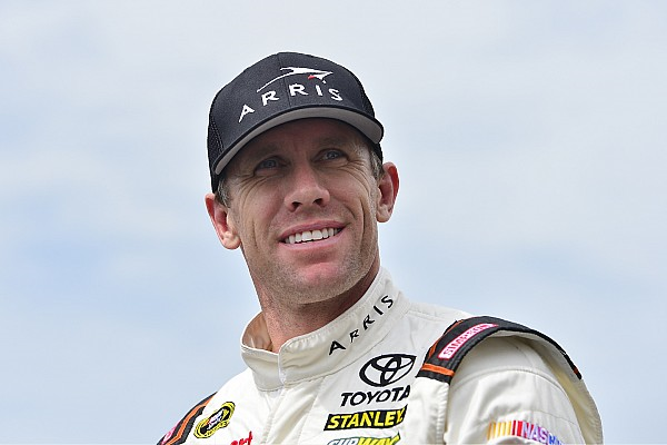 Carl Edwards Steps Away from NASCAR, Daniel Suarez to Take Over No. 19