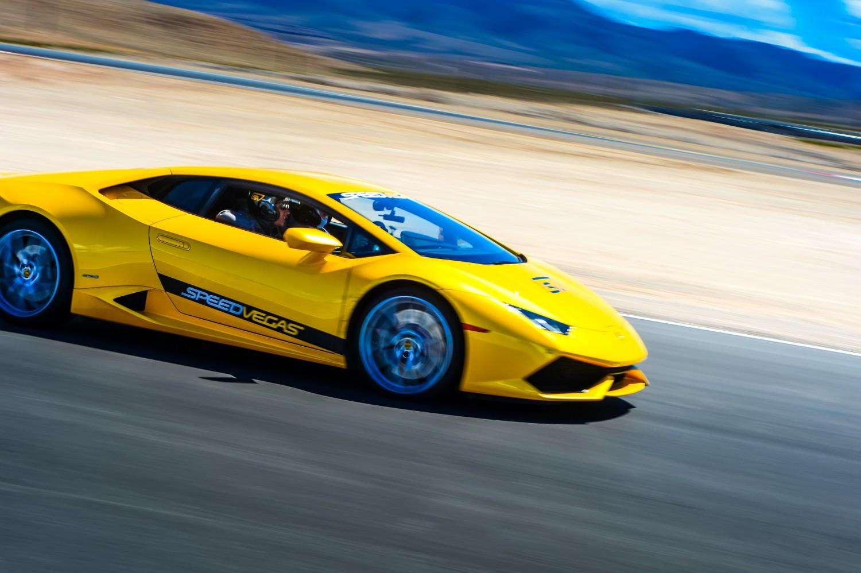 Vegas lamborghini rental race track